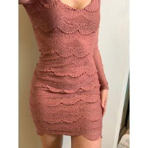 Small, Forever 21, beautiful lace blush dress
